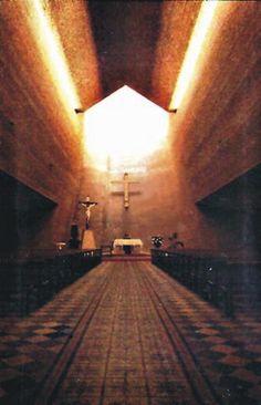 Galería de Clásicos de Arquitectura: Iglesia San Pedro / Eladio Dieste - 4