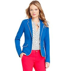 Tommy Hilfiger women's blazer. Refined without sacrificing femininity–our blazer tailored blazer flatters with slim sleeves and tipped edges.<br/>• Slim fit.<br/>• 69% viscose, 25% nylon, 6% elastane<br/>• Flap pockets, princess seams, lined.<br/>• Machine washable.<br/>• Imported.