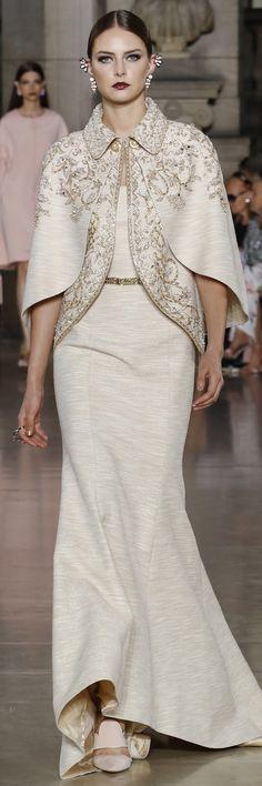 Fashion Arabic Style Illustration Description Georges Hobeika Fall Winter 2017 Haute Couture Collection – Read More – Trendy Fashion, Fashion Models, Fashion Show, Womens Fashion, Fashion Design, Style Fête, Looks Style, Hijab Fashion, Fashion Dresses