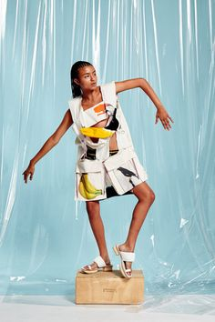 See the complete Bernhard Willhelm Spring 2016 Ready-to-Wear collection.
