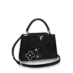 LOUIS VUITTON Official USA Website - Discover Louis Vuitton's handbags and iconic bags for women, made with outstanding craftsmanship and quality materials. Louis Vuitton Jewelry, Louis Vuitton Usa, Louis Vuitton Store, Louis Vuitton Handbags, Adidas Bags, Dior Handbags, Designer Totes, Designer Handbags, Chanel Jewelry