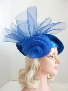 VINTAGE ANN MARIE CHICAGO LADIES ROYAL BLUE STRAW HAT, PRETTY NET ROSETTE