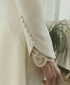 Surround yourself with beauty... Kurti Sleeves Design, Sleeves Designs For Dresses, Sleeve Designs, Blouse Designs, Couture Details, Fashion Details, Fashion Design, Fashion Tips, Abaya Fashion