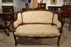 A French Finely Carved 19th Century Walnut Antique Settee/Canap�