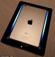 iPad Mini rumor photos (Photo Credit: Daily Mail)