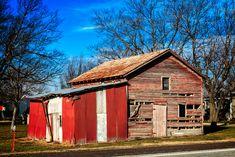 https://flic.kr/p/HTuaXz | old red barn on highway 75