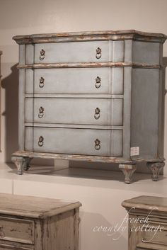FRENCH COUNTRY COTTAGE: Accentrics Home ~ Detail...........s love this