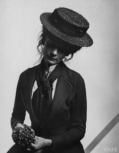 Одри Хепберн в образе Элизы Дулиттл (ноябрь 1964, фотограф Сесил Битон)
