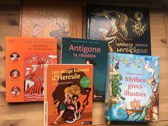 Une sélection de livres jeunesses autour de la mythologie, plus particulièrement la mythologique grecque #lecture #livre #enfant #famille #mythologie #parent #maman #papa Lectures, Conte, Blogging, Community, French, Lifestyle, Books, Youth, Books To Read