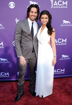 Jake Owen and his lady love Lacey Buchanan ...
