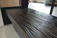 Passion Bois vous présente sa gamme d'escalier bien-être : Senzu ! Un escalier qui, grâce au travail du bois, permet de stimuler la voûte plantaire et, ainsi, apporte un réel soulagement lors de la montée et la descente des marches pieds nus.. Idée décoration : idéal pour une décoration moderne ou bien-être ! Plus d'informations sur : escaliers-passionbois.com
