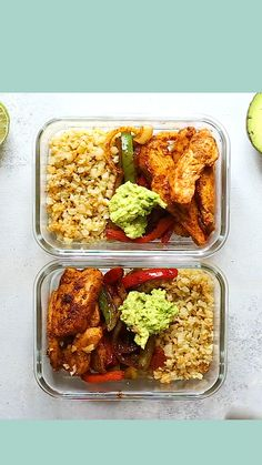 In search of delicious keto chicken recipes? This Keto Chicken Meal Prep Recipe is delicious as it is nutritious. Complete with keto chicken, sautéed peppers, cauliflower rice and avocado spread, this is the keto chicken recipe of all keto chicken recipes — and can be meal-prepped for lunches all week long!