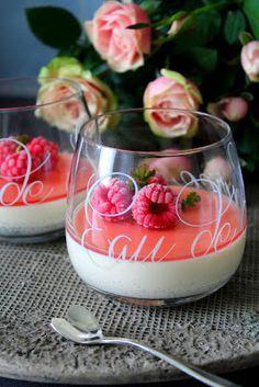 Panna Cotta, Delicious Desserts, Raspberry, Brunch, Ice Cream, Candy, Baking, Fruit, Ethnic Recipes