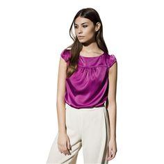 Para días como hoy ni frío ni calor una blusa de media manga nos viene perfecta ; ) http://www.miralamarela.com/p.4194.0.0.1.1-blusa-mosa-morado.html