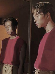 Johnny 쟈니 - NCT 127 엔시티 - W Korea 더블유 코리아 - aesthetic - boyfriend material 남친짤 - hot Nct 127 Johnny, Sm Rookies, King Of Hearts, Red Aesthetic, Kpop Boy, Boyfriend Material, Jaehyun, Nct Dream, K Idols