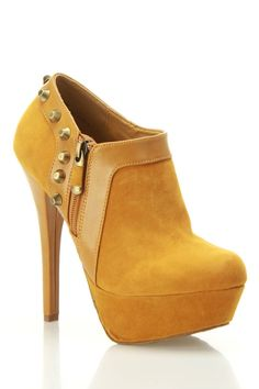 mustard//...................................................Love this great looking ankle boot.....