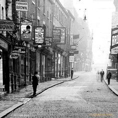 Headrow Leeds Pubs, Leeds City, Old Pictures, Old Photos, Welcome To Yorkshire, Leeds England, Huddersfield Town, Uk History, West Yorkshire