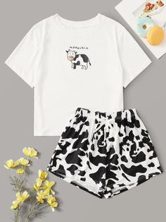 Check out this Cow Print Tee & Shorts PJ Set on Shein and explore more to meet your fashion needs! Cute Pajama Sets, Cute Pjs, Cute Pajamas, Pj Sets, Pajamas Women, Cute Lazy Outfits, Teenage Outfits, Teen Fashion Outfits, Outfits For Teens