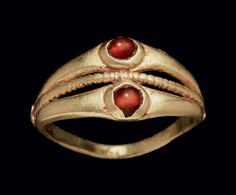 A ROMAN GOLD AND GARNET DOUBLE