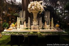 Dessert Table // Check our Website for more information or pictures in our fanpage! www.lafete.com.pe www.facebook.com/lafeteeventplanning