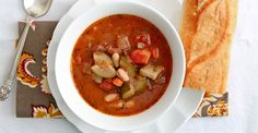 Customize this hearty soup with whatever veggies, grains, and meats strike your fancy. It will go from pot to bowl in less than 40 minutes. #healthy #recipes #soup http://greatist.com/eat/recipes/easy-minestrone-soup