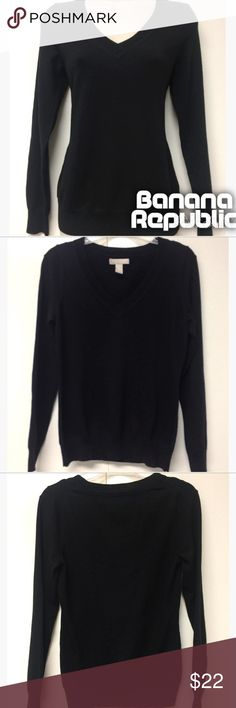 Banana Republic Fine Merino Sweater- S EUC. Black VNeck. Super soft. A must for any fall or winter closet. Banana Republic Sweaters V-Necks