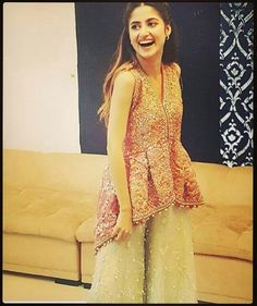 From short frocks to shalwar kameez, Sajal Ali dresses can give you an idea how to look trendy and adorable in every season. Shadi Dresses, Pakistani Formal Dresses, Pakistani Fashion Party Wear, Pakistani Wedding Outfits, Pakistani Dress Design, Indian Dresses, Indian Outfits, Fancy Dress Design, Stylish Dress Designs