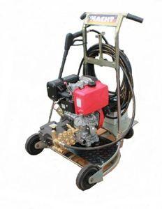 Πετρελαιοκίνητο υδροπλυστικό αποφρακτικό 12hp 250 bar 1020lit/hour made italy