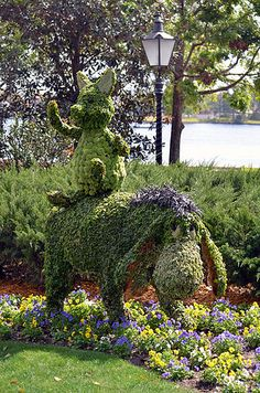 Piglet and Eyeore Topiary 2013