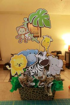 Centro d mesa decoracion selva zoo birthday, safari decorations, baby shawer, baby shower Baby Shower Themes, Baby Boy Shower, Baby Shower Parties, Shower Ideas, Safari Theme Party, Baby Theme, Safari Decorations, Safari Birthday Party, Animal Party