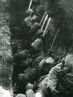 Turkish soldiers waiting for the order to attack. Turkish War of Independence.