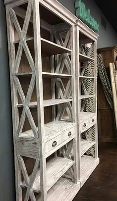 Rustic Furniture When it comes to furniture shopping, few enjoy the quest. Diy Furniture Projects, Pallet Furniture, Furniture Plans, Furniture Making, Wood Projects, Farmhouse Furniture, Rustic Furniture, Diy Home Decor, Decoration