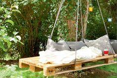 DIY: Schommel uit pallets voor een gezellige tuinvakantie