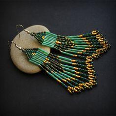 Длинные серьги из бисера - зеленые с золотым - 00231