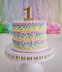 Rainbow smash - cake by Christine - baby shark party - first birthday cake-Erster Geburtstagskuchen 1st Birthday Cake For Girls, Rainbow First Birthday, 1st Birthday Cakes, Unicorn Birthday Cakes, Birthday Ideas, Birthday Photos, Smash Cake Girl, Girl Cakes, Rainbow Smash Cakes