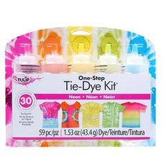 I Love To Create-Tulip One Step Tie Dye Kit. The Tulip One-Step Color Tie-Dye Kit is full of tons of colorful fun! Stocked with five bottles of . Diy Tie Dye Projects, Tie Dye Crafts, Tulip Tie Dye, Diy Tie Dye Techniques, Diy Tie Dye Shirts, Tie Dye Kit, One Step, How To Tie Dye, Tie Dye Designs
