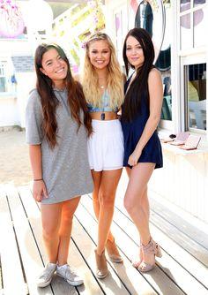 F. (Olivia Holt, Kelli Berglund, Paris Berelc &...)