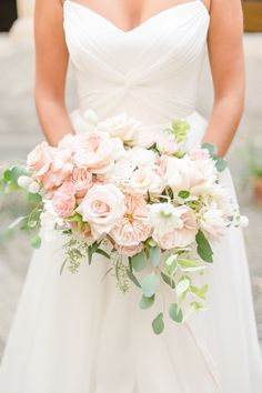 If you love old world venues and romance, don't miss this Neuchâtel wedding inspiration at historic La Chartreuse de la Lance full of beautiful details! Beautiful Wedding Cakes, Beautiful Bride, Blush Color Palette, Wedding Bouquets, Wedding Dresses, Wedding Flowers, Rose Pastel, Design Floral, Love Hair