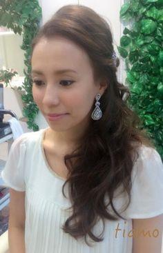 ワンサイドダウンor柔らか夜会風アップ☆リハ篇 の画像 大人可愛いブライダルヘアメイク『tiamo』の結婚カタログ