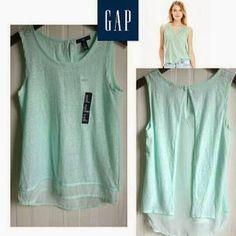 fashionlicious fashion shop online : GAP Backslit Sleeveless Top