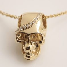 Diamond Skull Necklace / ludevine