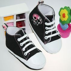 skull walking shoes for girls too Be My Baby, Cry Baby, Baby Girl Shoes, Girls Shoes, Baby Rocker, Black Skulls, Chuck Taylor Sneakers, To My Daughter, High Top Sneakers
