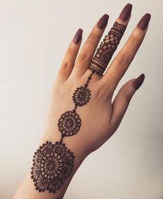 Very Simple Mehndi Designs, Mehndi Designs Front Hand, Latest Henna Designs, Mehndi Designs For Beginners, Mehndi Simple, Easy Mehendi, Mehandi Designs, Mehndi Designs Book, Mehndi Designs For Fingers