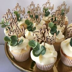 gender neutral baby shower ideas Gorgeous (and delicious) cupcakes by cupcakeoccasion with a botanical twist and sweet Oh Baby wooden toppers for Kaylas Baby Shower styled by styledbybelle via generated Boho Baby Shower, Baby Shower Verde, Bebe Shower, Gender Neutral Baby Shower, Baby Boy Shower, Baby Shower Gifts, Baby Shower Cupcakes Neutral, Baby Gifts, Baby Shower Green