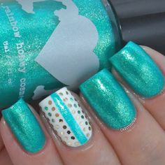 Carly ✨ @carlysisoka Instagram photos | Websta (Webstagram) This is Waves from @rainbowhoney's Summer Mixtape collection; teal shimmer polish with tiny flakes. Stripe and glitter accent nail.