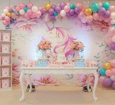 Sonho e doçura . . . #meuarcoirisdeunicornio #unicorn #unicornio #unicórnio #unicornparty #festaunicornio #unicornlove #unicornlover #instaunicorn #festa #inspiração #decoração #like4like #siga