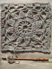 VMSom Ⓐ Cage: Crochet Flower - graph Interesting site Crochet Motifs, Crochet Blocks, Granny Square Crochet Pattern, Crochet Squares, Crochet Granny, Crochet Yarn, Crochet Stitches, Crochet Patterns, Granny Squares
