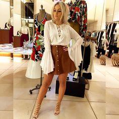 """Natana Marques de Leon no Instagram: """"Minha primeira escolha na coleção @camilacoelho para @morenarosaoficial ❤️ Que tal meninas? Quero saber a opinião de vocês?! Tô amando #ootn #lookofthenight #natanausa #morenarosa #movendoomundocomcamila"""""""