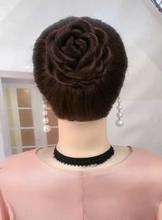 These amazing hairstyle ideas are perfect ✨ WOW! These amazing hairstyle ideas are perfect ✨ Braided Bun Hairstyles, Bun Hairstyles For Long Hair, Girl Hairstyles, Wedding Hairstyles, Hairstyle Ideas, Videos Of Hairstyles, Short Hair, Medium Hair Styles, Curly Hair Styles