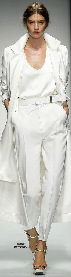 Gianfranco Ferré Women's Fashion RTW | Purely Inspiration http://www.style.com/fashion-shows/spring-2014-ready-to-wear/gianfranco-ferre